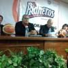 Presentan a directiva y entrenador de Pioneros 2015