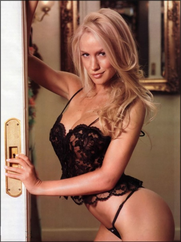 Luciana salazar desnuda en videos pic 30